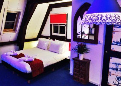 K2 bedroom